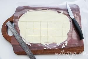 Квадраты белого шоколада с солью