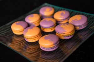Macarons mango-passion fruit