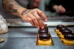 Шоколадная глазурь и десерты