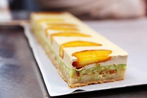 Торт с яблочным татином и бергамотом